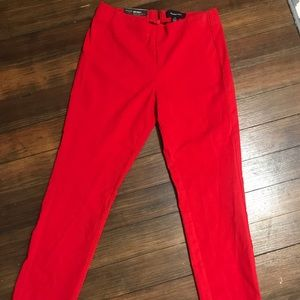 SOLD NWT! Mid rise Cropped Skinny Pants